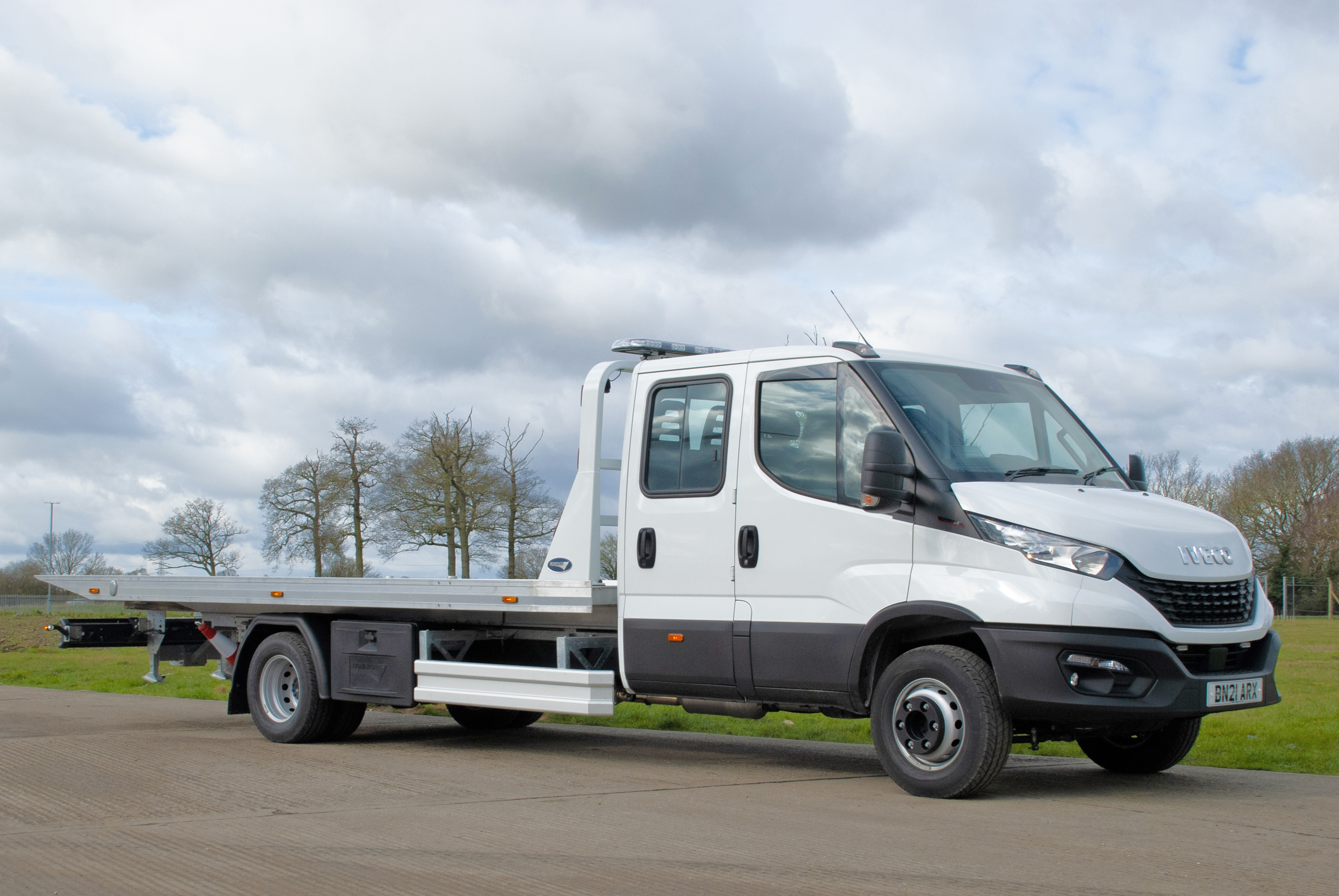 New stock Iveco Daily 70C18 front photo
